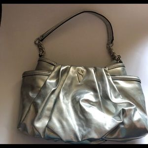 NWOT Vera wang silver metallic purse silver chain